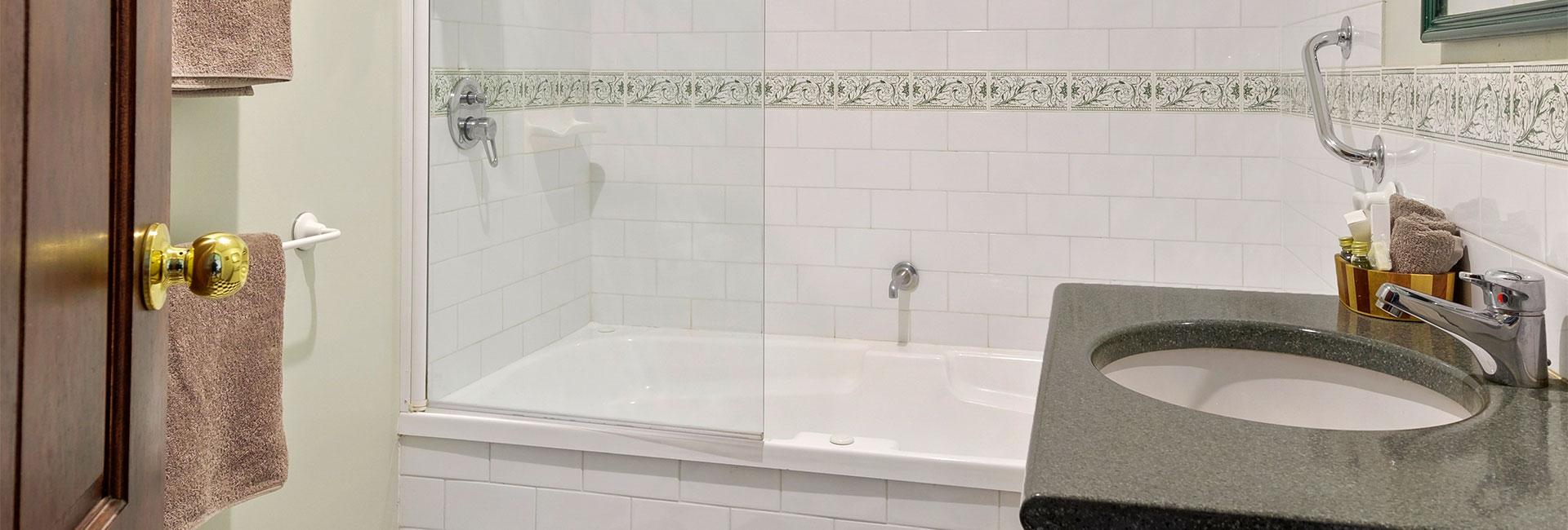 arthur-pearce-bath-suite