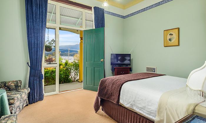 Ethel Pearce Deluxe Room